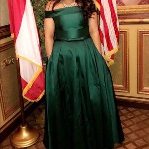 Dresses & Skirts - Emerald formal dress